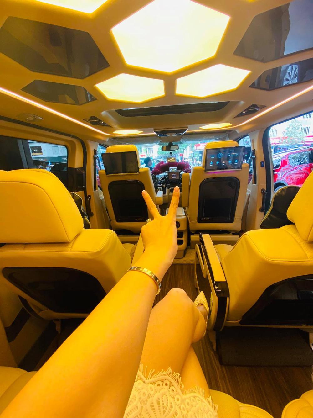Mặc kệ ồn ào tình cảm với TiTi (HKT), Nhật Kim Anh rạng rỡ khoe xe mới tiền tỷ: Phụ nữ tự chủ tài chính vẫn là tốt nhất Ảnh 9