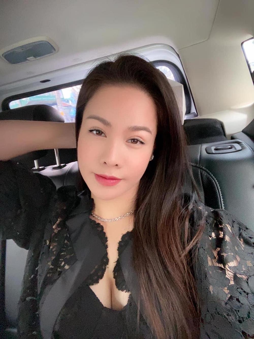 Mặc kệ ồn ào tình cảm với TiTi (HKT), Nhật Kim Anh rạng rỡ khoe xe mới tiền tỷ: Phụ nữ tự chủ tài chính vẫn là tốt nhất Ảnh 4