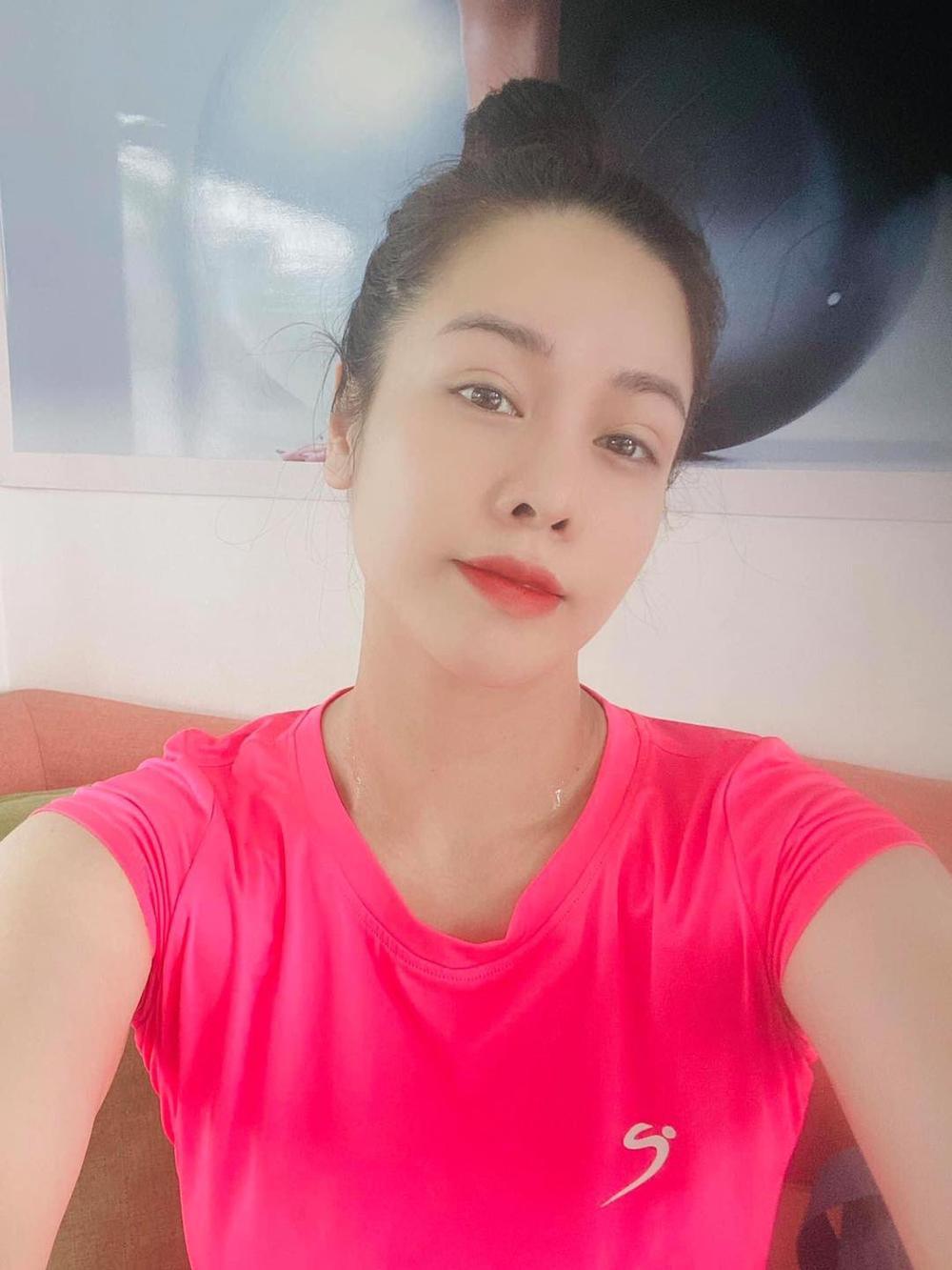Mặc kệ ồn ào tình cảm với TiTi (HKT), Nhật Kim Anh rạng rỡ khoe xe mới tiền tỷ: Phụ nữ tự chủ tài chính vẫn là tốt nhất Ảnh 3