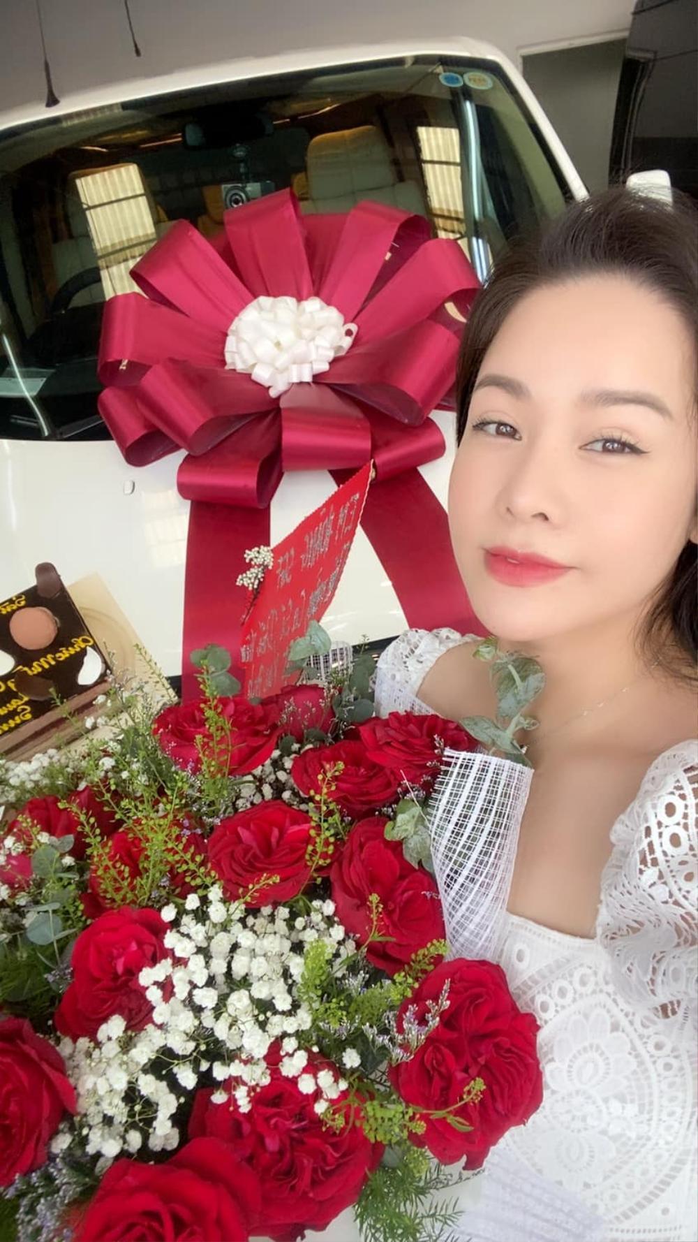Mặc kệ ồn ào tình cảm với TiTi (HKT), Nhật Kim Anh rạng rỡ khoe xe mới tiền tỷ: Phụ nữ tự chủ tài chính vẫn là tốt nhất Ảnh 6