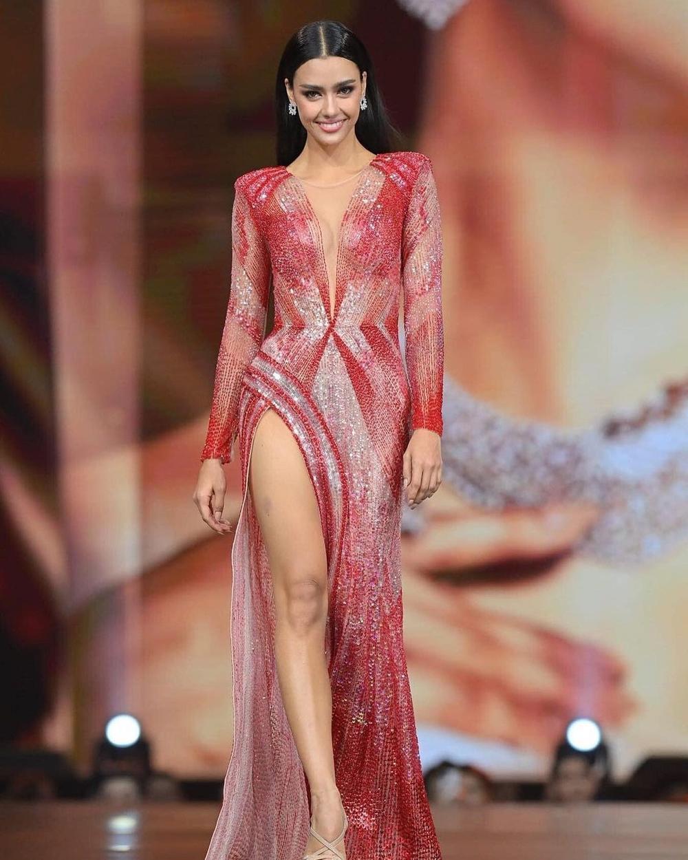 'Vượt mặt' hoa hậu Venezuela, Khánh Vân lọt Top 4 mỹ nhân được quan tâm nhất Miss Universe Ảnh 11