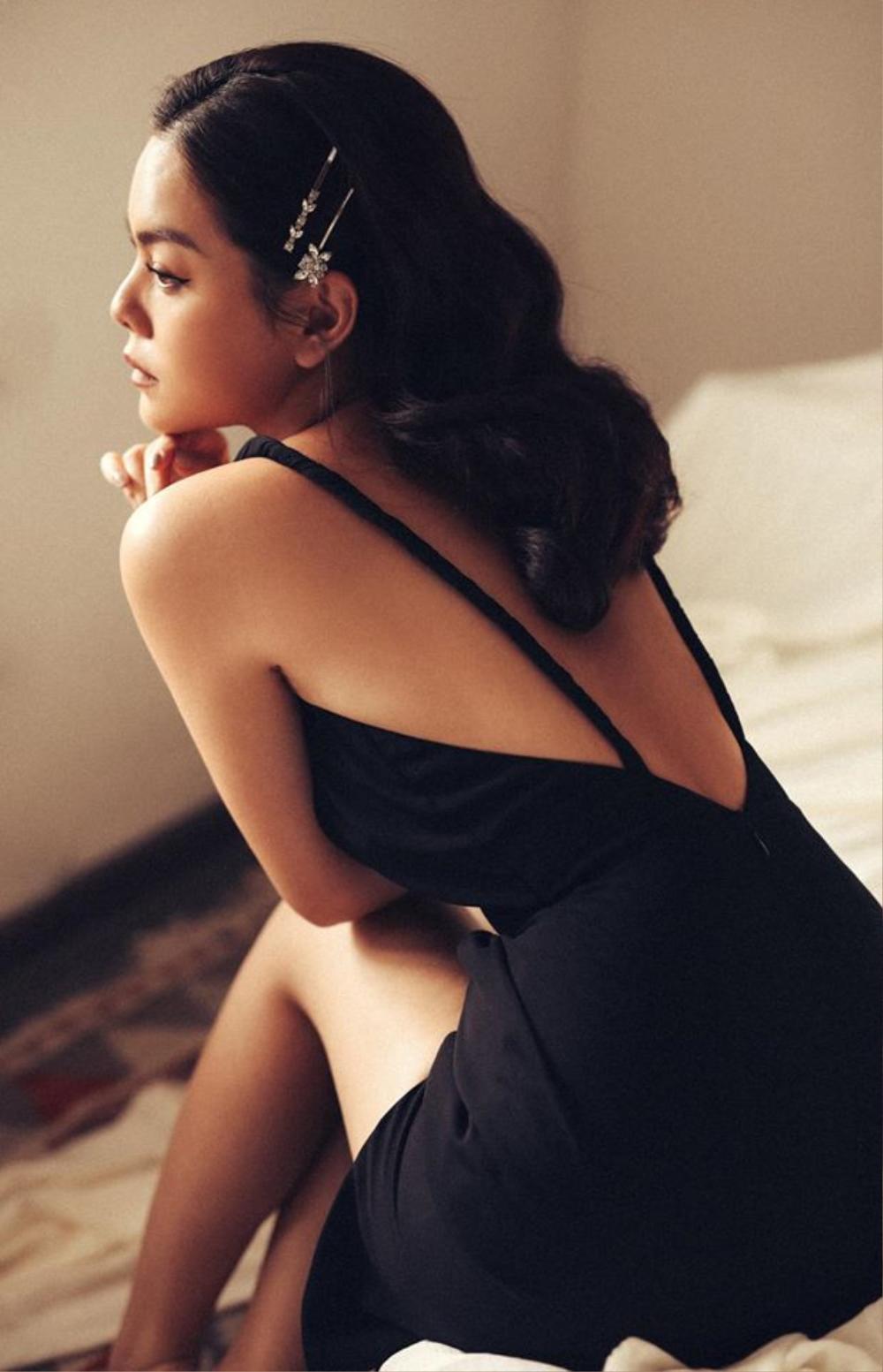 Phạm Quỳnh Anh khoe lưng trần gợi cảm: 'Hãy sống vui vẻ nhé, hạnh phúc luôn phần tôi' Ảnh 3