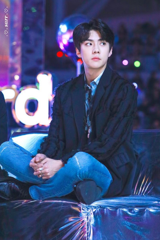 Dân mạng tìm ra bằng chứng Chanyeol hẹn hò: Fan EXO biết người ấy là ai! Ảnh 4