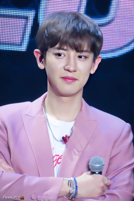 Dân mạng tìm ra bằng chứng Chanyeol hẹn hò: Fan EXO biết người ấy là ai! Ảnh 1