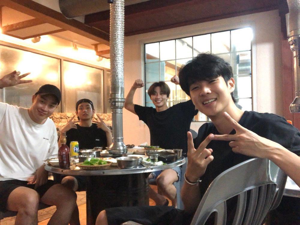 'Hwarang' - phim đầu tay của V (BTS) và Park Seo Joon phát sóng vào tháng 8: Idol được khen về diễn xuất, fan bắt đầu 'cày' lại chưa? Ảnh 19