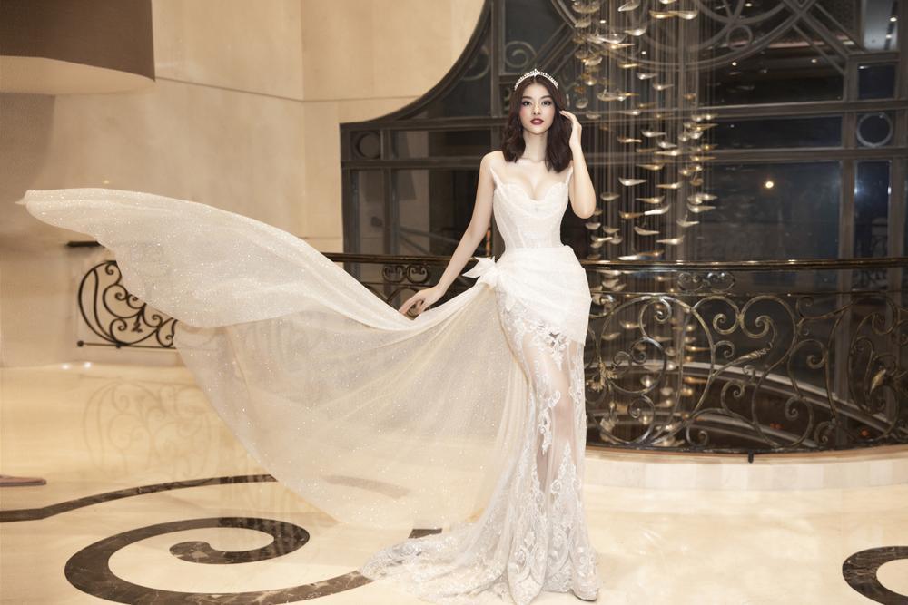 Lương Thùy Linh lập kỷ lục với chiếc váy cưới của NTK Anh Thư được đấu giá cao nhất lịch sử Vbiz Ảnh 9