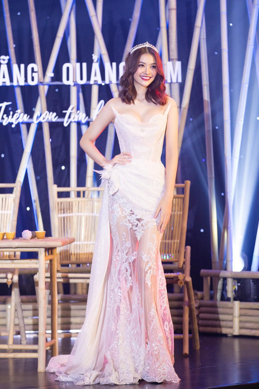 Lương Thùy Linh lập kỷ lục với chiếc váy cưới của NTK Anh Thư được đấu giá cao nhất lịch sử Vbiz Ảnh 7
