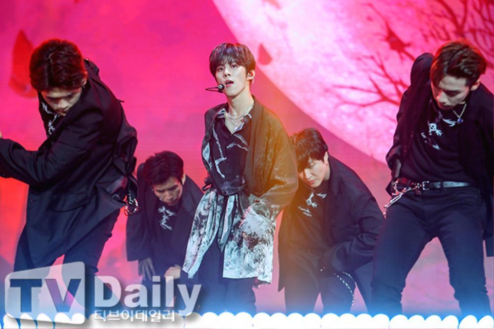Thành viên Wanna One và X1 đoàn tụ sau khi tan rã: Mỗi người mỗi ngã nhưng cùng trở về một sân khấu! Ảnh 19