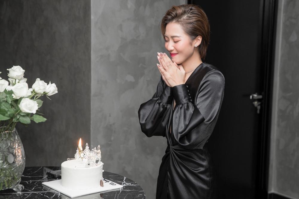 'Gia đình văn hóa' bí mật tổ chức sinh nhật cho Khả Ngân: Luôn là em út được cưng chiều 'hết nấc'! Ảnh 2