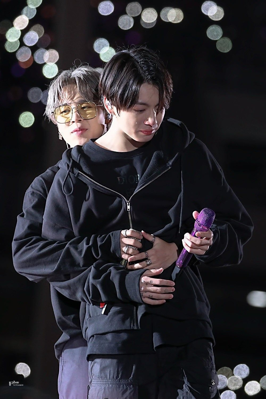Jimin (BTS) khóc nức nở bên Jungkook suốt 3 tiếng đến mức 'bất tỉnh' Ảnh 10