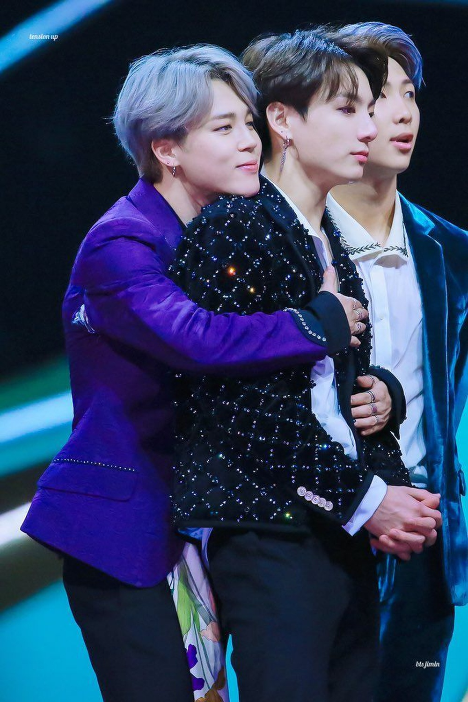 Jimin (BTS) khóc nức nở bên Jungkook suốt 3 tiếng đến mức 'bất tỉnh' Ảnh 15