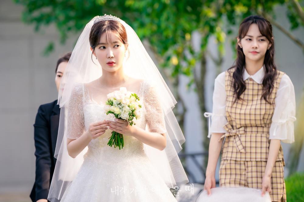 Lộ ảnh hôn lễ đẹp như cổ tích của Im Soo Hyang và Ha Seok Jin Ảnh 8