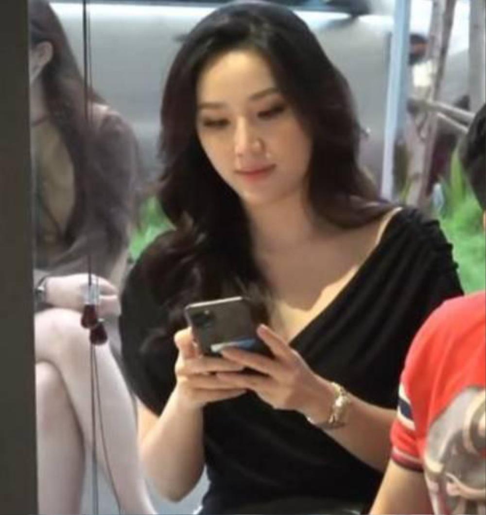 Bị chụp lén nhưng vẫn không thể nào dìm được nhan sắc tựa nàng thơ của loạt mỹ nhân Việt này, nhất là trùm cuối Ảnh 2