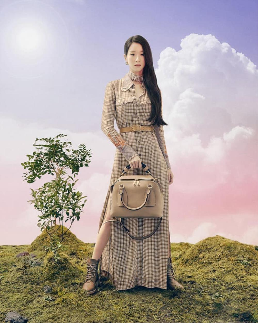 'Điên nữ' Seo Ye Ji đẹp mơ màng khi làm nàng thơ cho hãng thời trang Pháp Ảnh 3