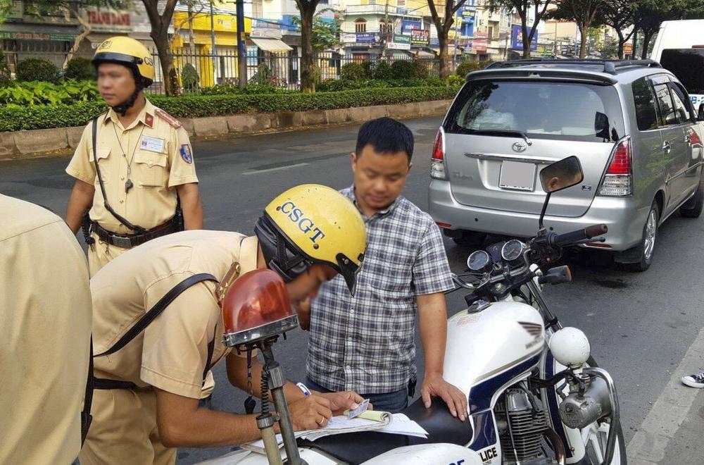28 lỗi vi phạm có thể bị trừ điểm trong giấy phép lái xe Ảnh 2