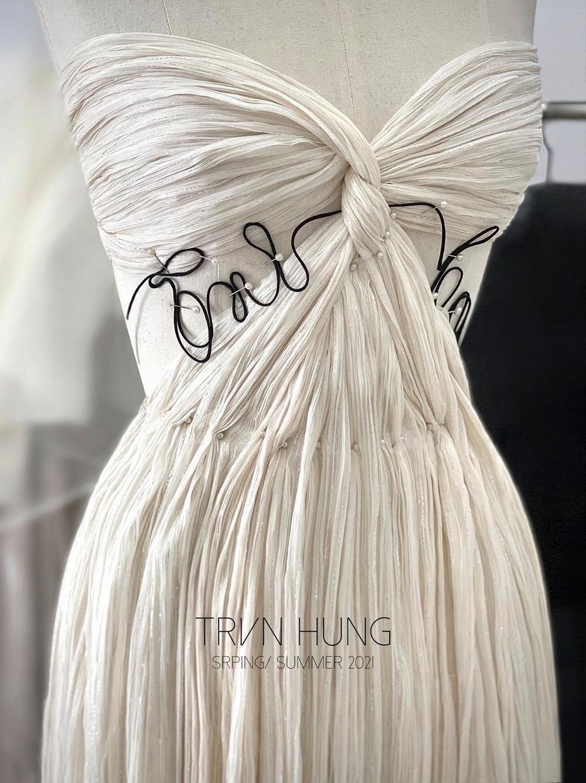 Góc tự hào: Trần Hùng chính thức trở thành thành viên nhà Thiết kế của Hiệp hội Thời trang Anh Quốc Ảnh 11