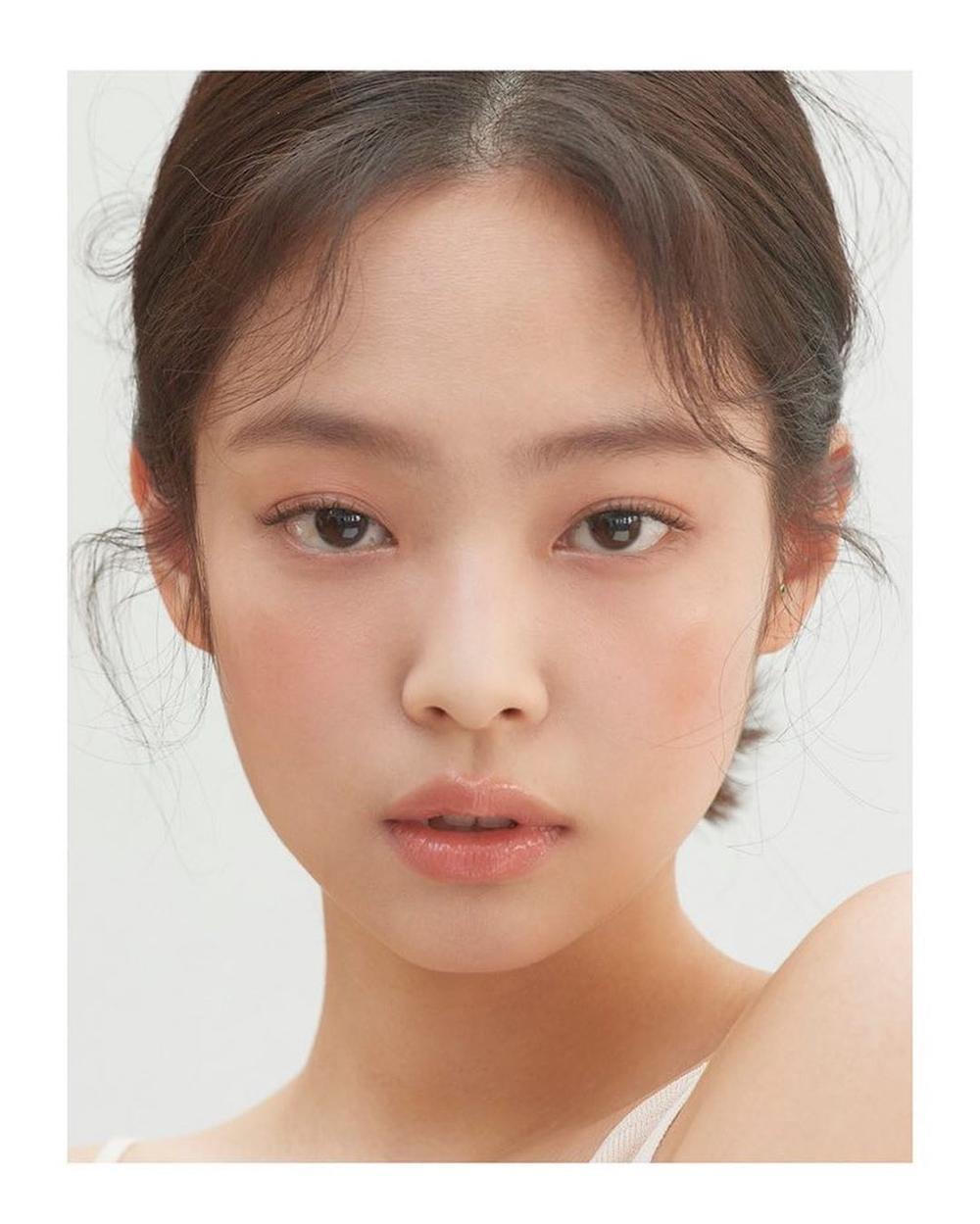 Visual thách thứ chuẩn mực sắc đẹp của các nữ Idols K-Pop Ảnh 4