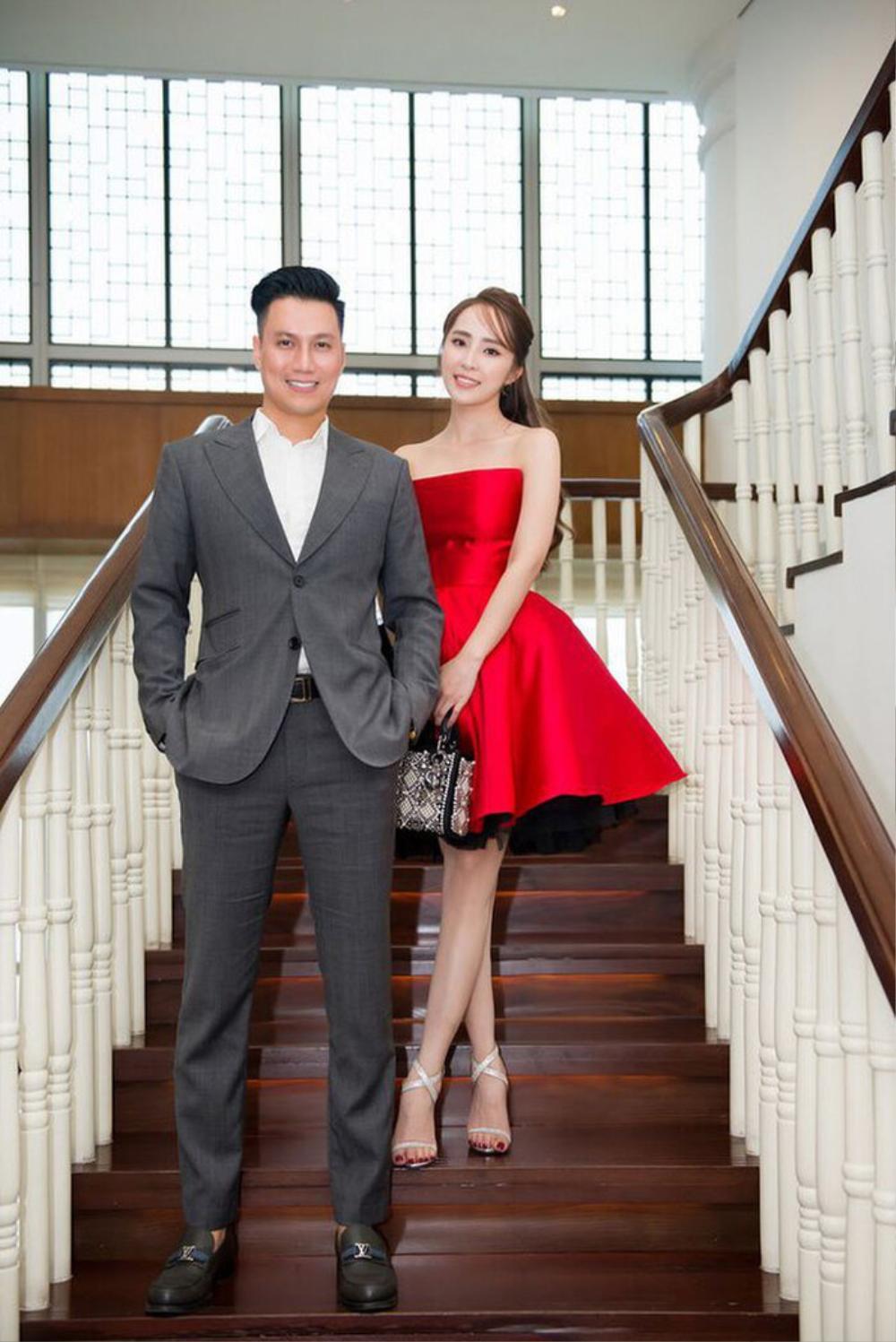 Giữa nghi vấn hẹn hò, Quỳnh Nga và Việt Anh lại tình tứ không rời nhau nửa bước trong tiệc sinh nhật Ảnh 8