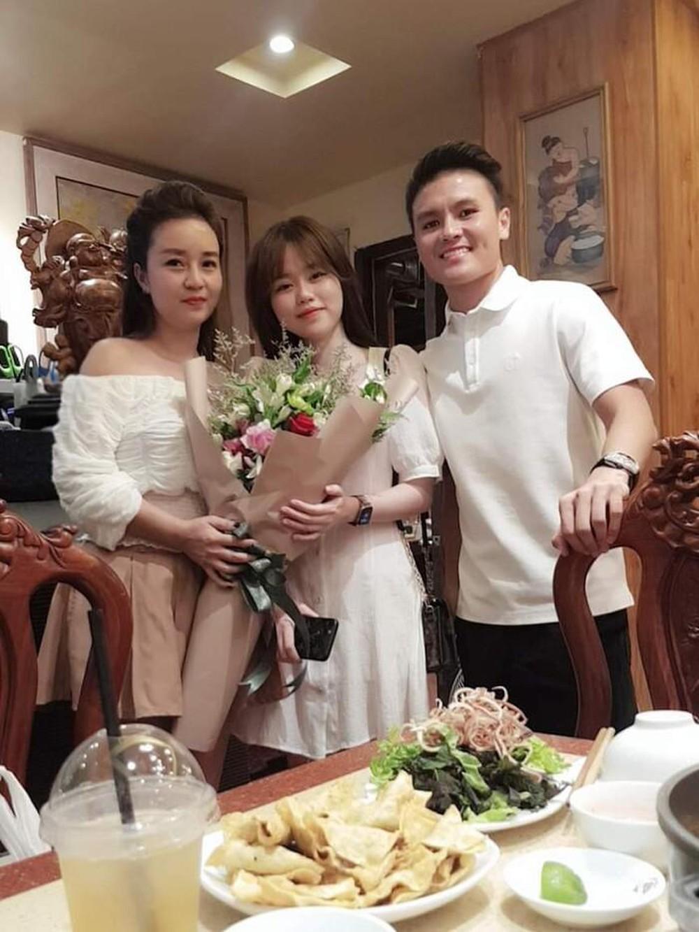 Yêu nhau 4 tháng và đây là lần Huỳnh Anh 'thả thính' Quang Hải ngọt ngào nhất: 'Đầu tuần là thứ hai vì anh là thứ nhất' Ảnh 3