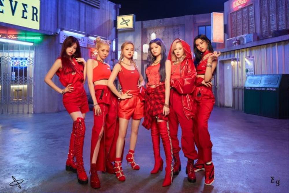Everglowđánh úp bộ ảnh teaser concept thứ hai cho mini album vol.2-77.82X-78.29 với hình tượng các cô gái mạnh mẽ hiện đại Ảnh 1