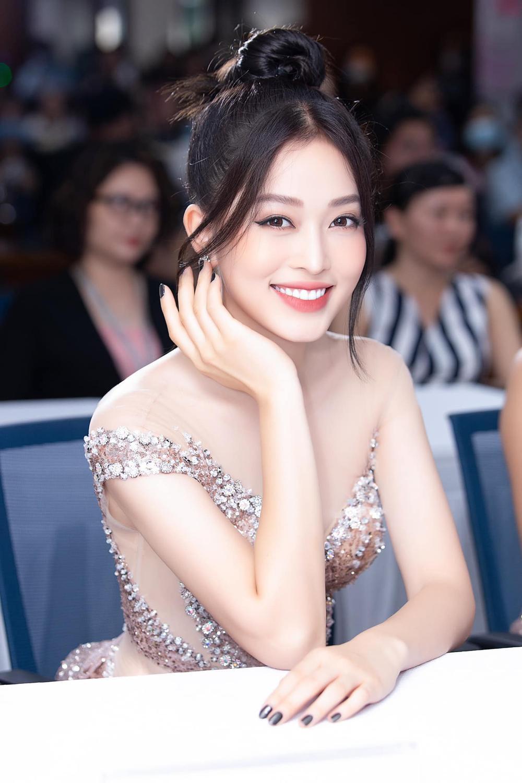 Tiểu Vy - Phương Nga - Thúy An thăng hạng nhan sắc sau 2 năm đăng quang Hoa hậu Việt Nam Ảnh 8