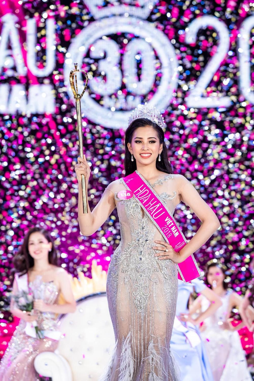 Tiểu Vy - Phương Nga - Thúy An thăng hạng nhan sắc sau 2 năm đăng quang Hoa hậu Việt Nam Ảnh 3