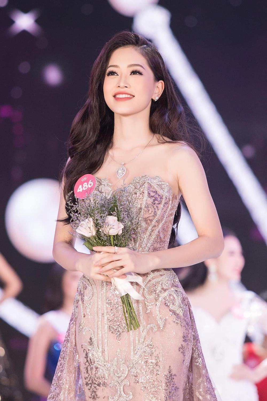 Tiểu Vy - Phương Nga - Thúy An thăng hạng nhan sắc sau 2 năm đăng quang Hoa hậu Việt Nam Ảnh 4