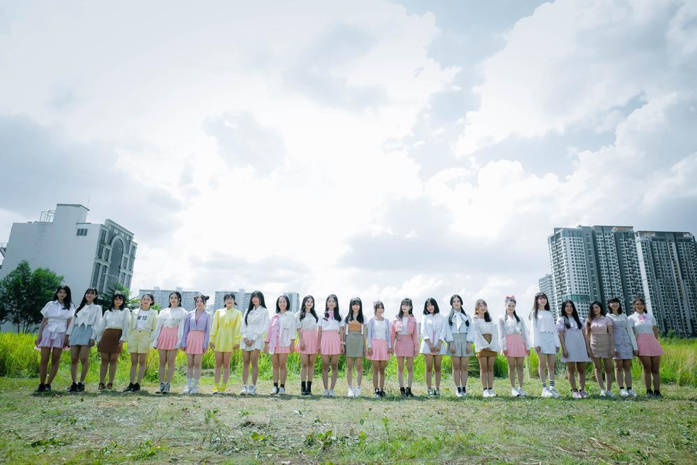 Sẽ ra sao khi 23 thành viên nhóm nhạc SGO48 cùng nhau xuất hiện trong MV comeback? Ảnh 1