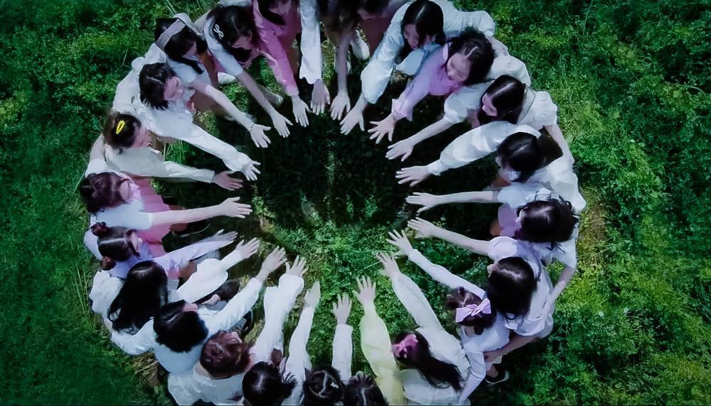 Sẽ ra sao khi 23 thành viên nhóm nhạc SGO48 cùng nhau xuất hiện trong MV comeback? Ảnh 4