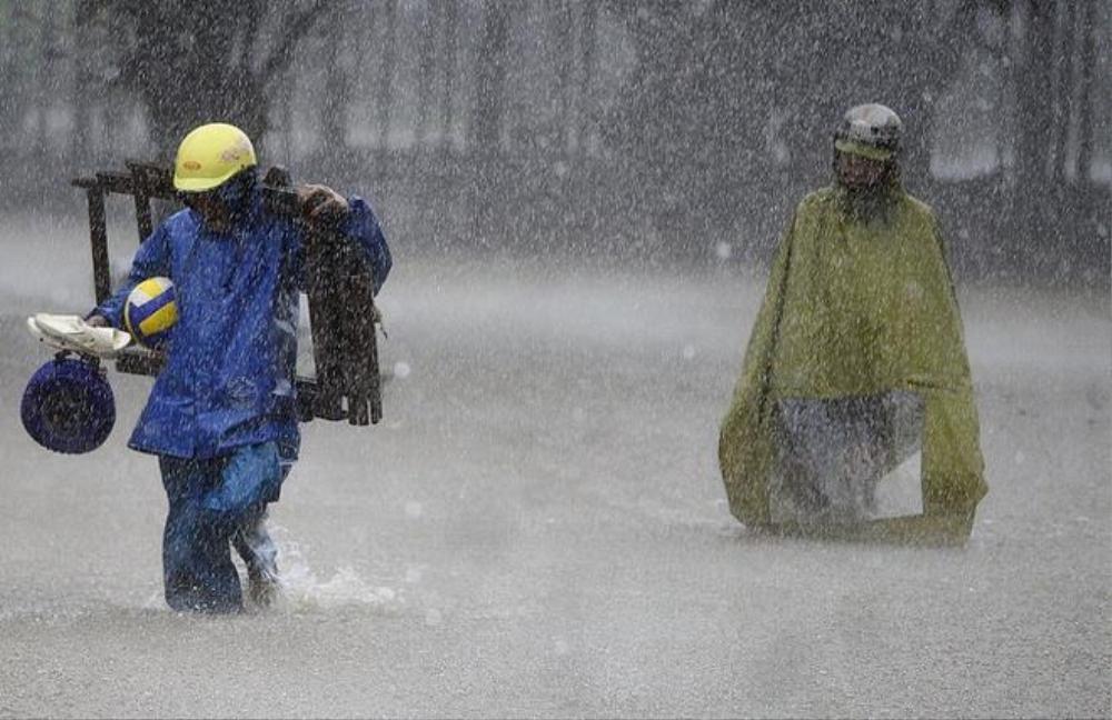 Hoàn lưu bão số 5 kết hợp gió mùa, cả nước mưa dông Ảnh 1