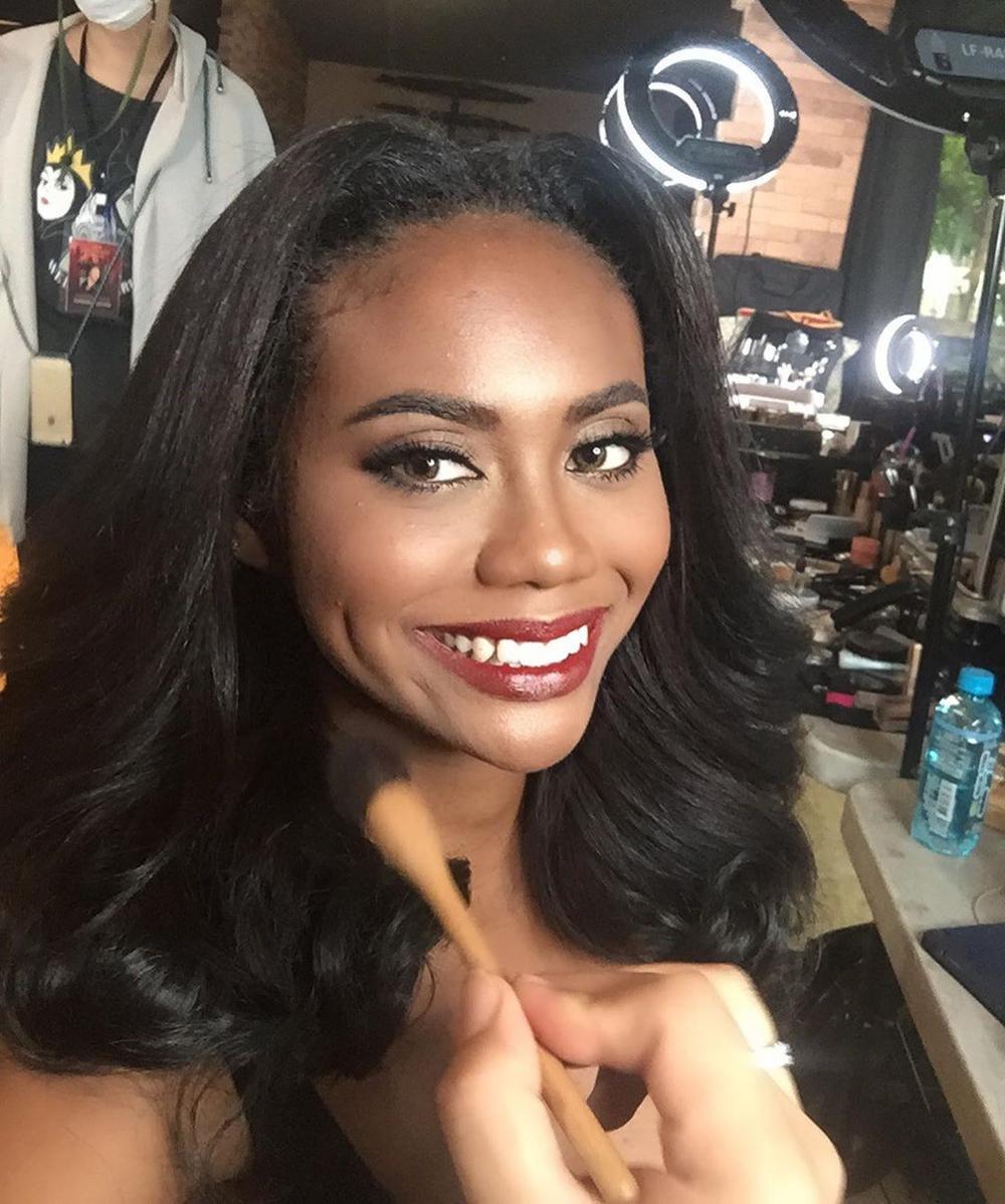 Nhan sắc da màu lai 3 dòng máu 'gây sốt' tại Miss Universe Thailand 2020, nghèo khó, sống ở khu ổ chuột, đi thi bằng xe buýt Ảnh 8