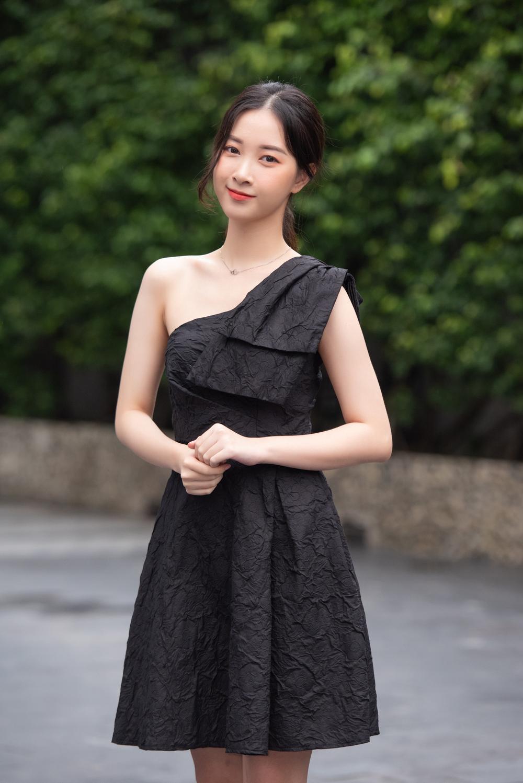 Loạt người đẹp đầy tiềm năng cùng khoe sắc tranh vương miện Hoa hậu Việt Nam 2020 Ảnh 11