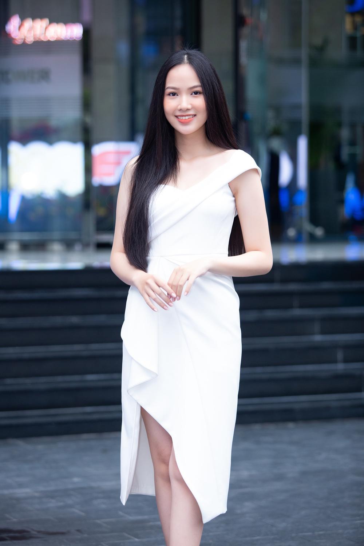 Loạt người đẹp đầy tiềm năng cùng khoe sắc tranh vương miện Hoa hậu Việt Nam 2020 Ảnh 3