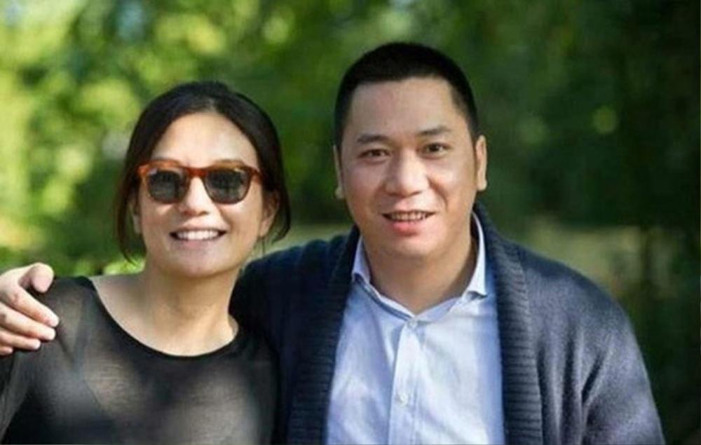 Bằng chứng cho thấy hôn nhân của Triệu Vy đã có biến từ lâu: Chồng đại gia bị kiện vì 'lừa đảo', nhà gái liên tục lộ ảnh thân mật với trai lạ Ảnh 10