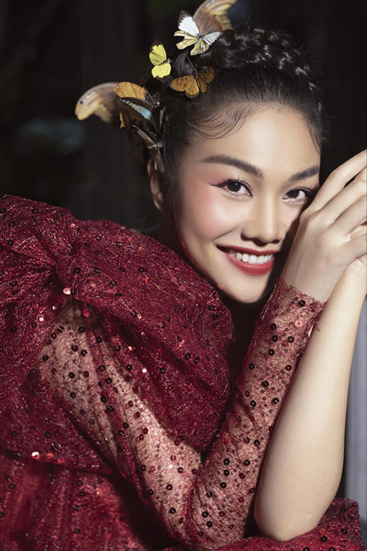 Vượt dàn Hoa hậu, Ngọc Trinh chỉ hở nhẹ cũng điềm nhiên dẫn đầu bảng xếp hạng sao đẹp Ảnh 7