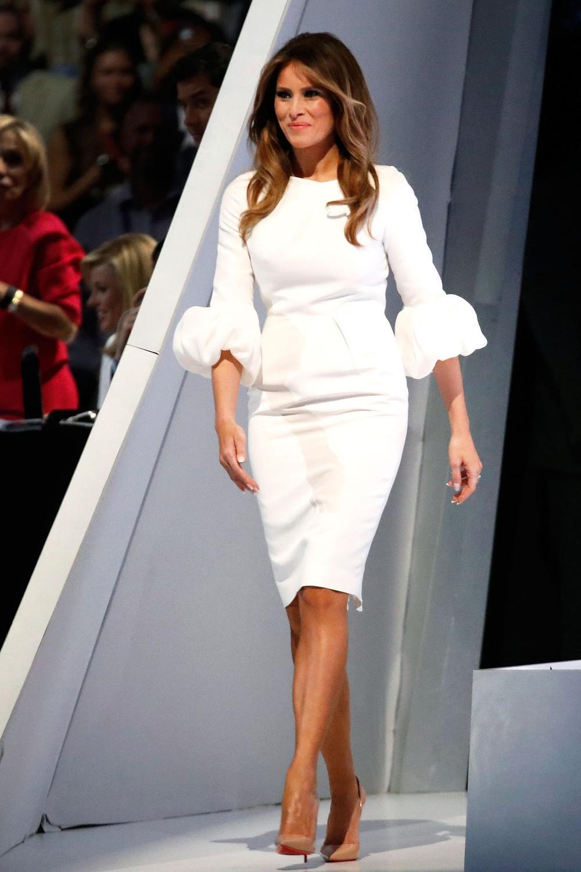 Đệ nhất phu nhân Mỹ Melania Trump cứ diện váy trắng tinh khôi là nhận được vô vàn lời khen Ảnh 8