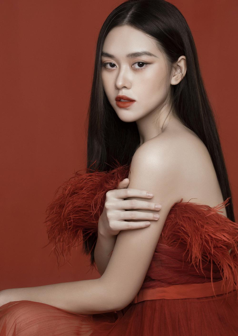 Á hậu Tường San hóa 'Hằng Nga', đẹp ma mị trong bộ ảnh mới dịp Trung thu Ảnh 1