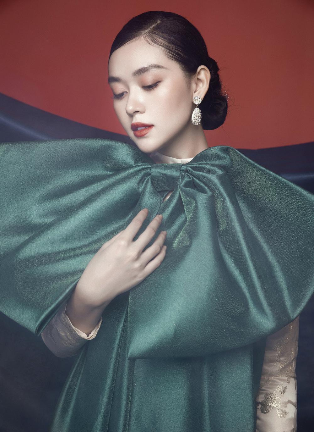 Á hậu Tường San hóa 'Hằng Nga', đẹp ma mị trong bộ ảnh mới dịp Trung thu Ảnh 4