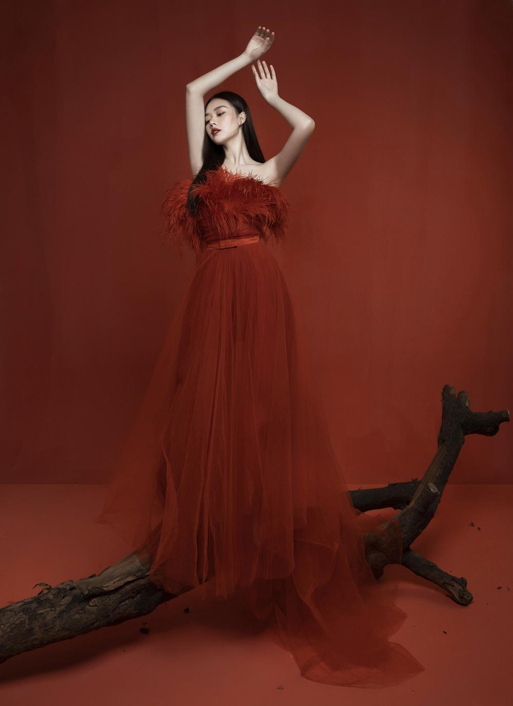 Á hậu Tường San hóa 'Hằng Nga', đẹp ma mị trong bộ ảnh mới dịp Trung thu Ảnh 2