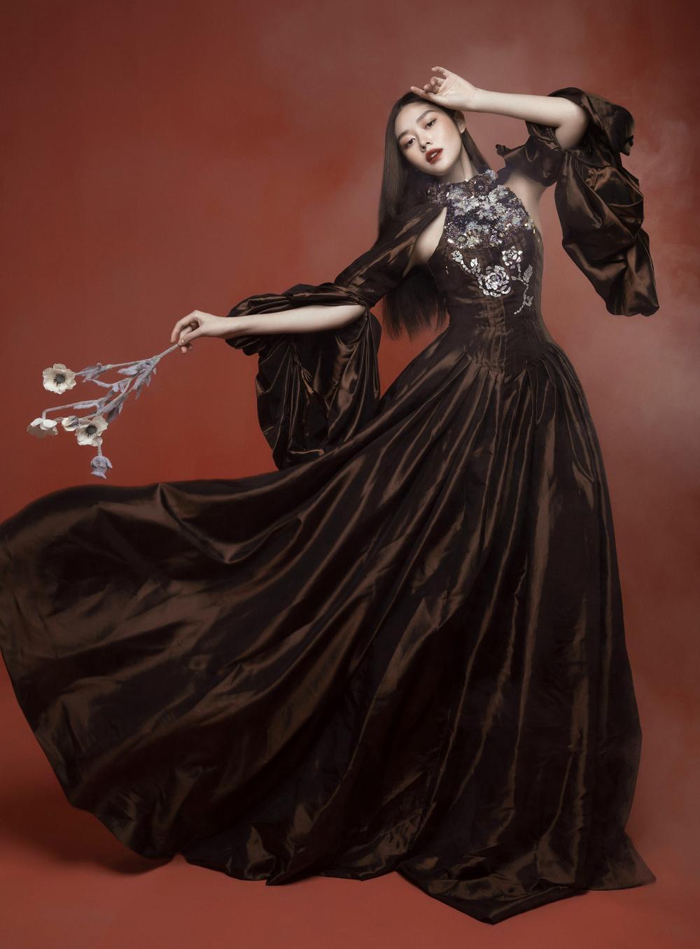 Á hậu Tường San hóa 'Hằng Nga', đẹp ma mị trong bộ ảnh mới dịp Trung thu Ảnh 13