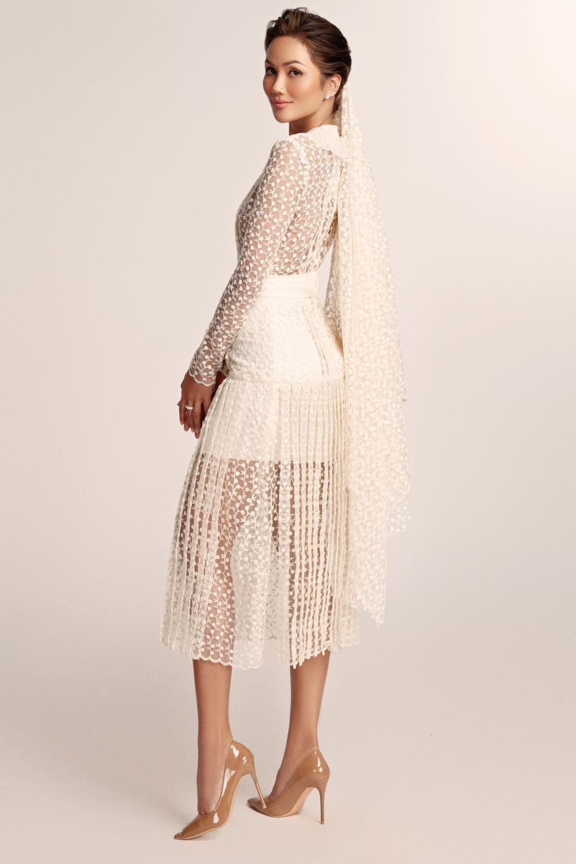 Thích thú với những mẫu váy cưới lạ mắt mà vẫn quyến rũ của H'Hen Niê Ảnh 7