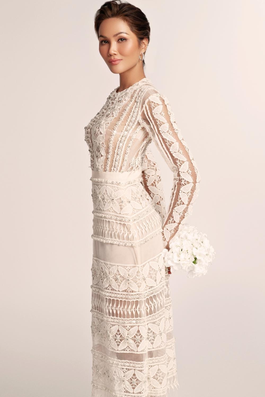 Thích thú với những mẫu váy cưới lạ mắt mà vẫn quyến rũ của H'Hen Niê Ảnh 10