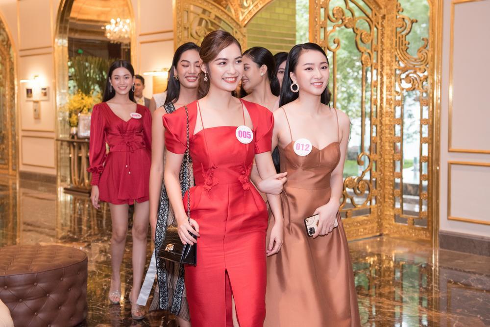 Chiêm ngưỡng nhan sắc Top 60 người đẹp tranh vương miện Hoa Hậu Việt Nam 2020 Ảnh 1