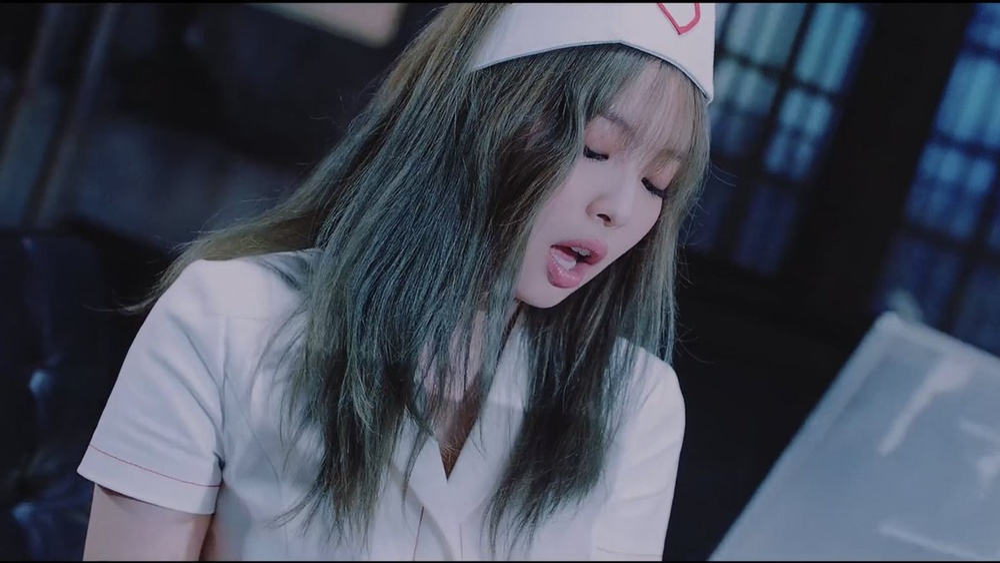 YG sẽ làm lại phân đoạn concept y tá của Jennie trong MV Lovesick Girls? Ảnh 3