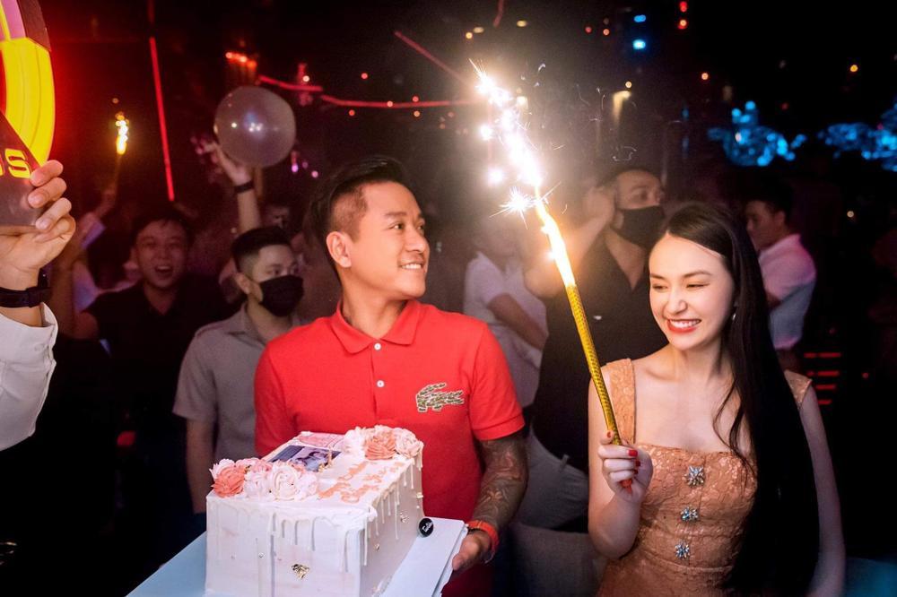 Những sao nam đào hoa của showbiz Việt, thế nhưng sau khi cưới vợ lại trở thành những ông bố bỉm sữa chính hiệu Ảnh 2
