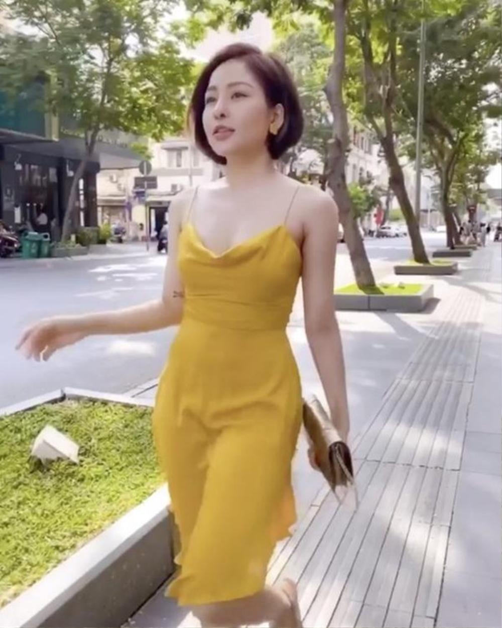 Bài học xương máu khi mặc váy lụa: Midu, hotgirl Trâm Anh bị hằn rõ 'vùng cấm địa' kém duyên Ảnh 11