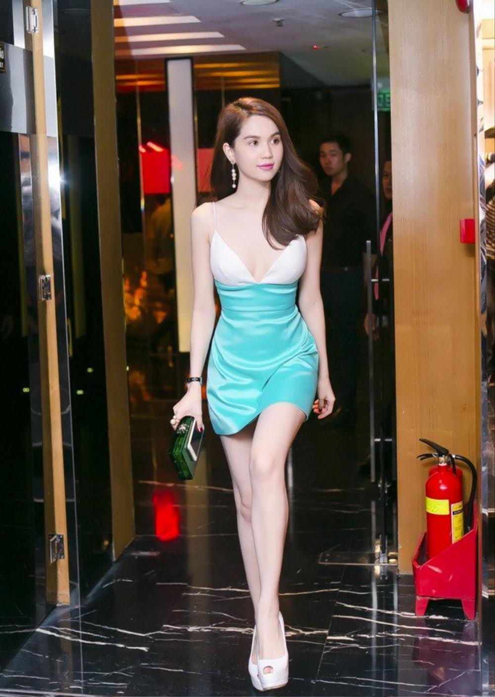 Bài học xương máu khi mặc váy lụa: Midu, hotgirl Trâm Anh bị hằn rõ 'vùng cấm địa' kém duyên Ảnh 5