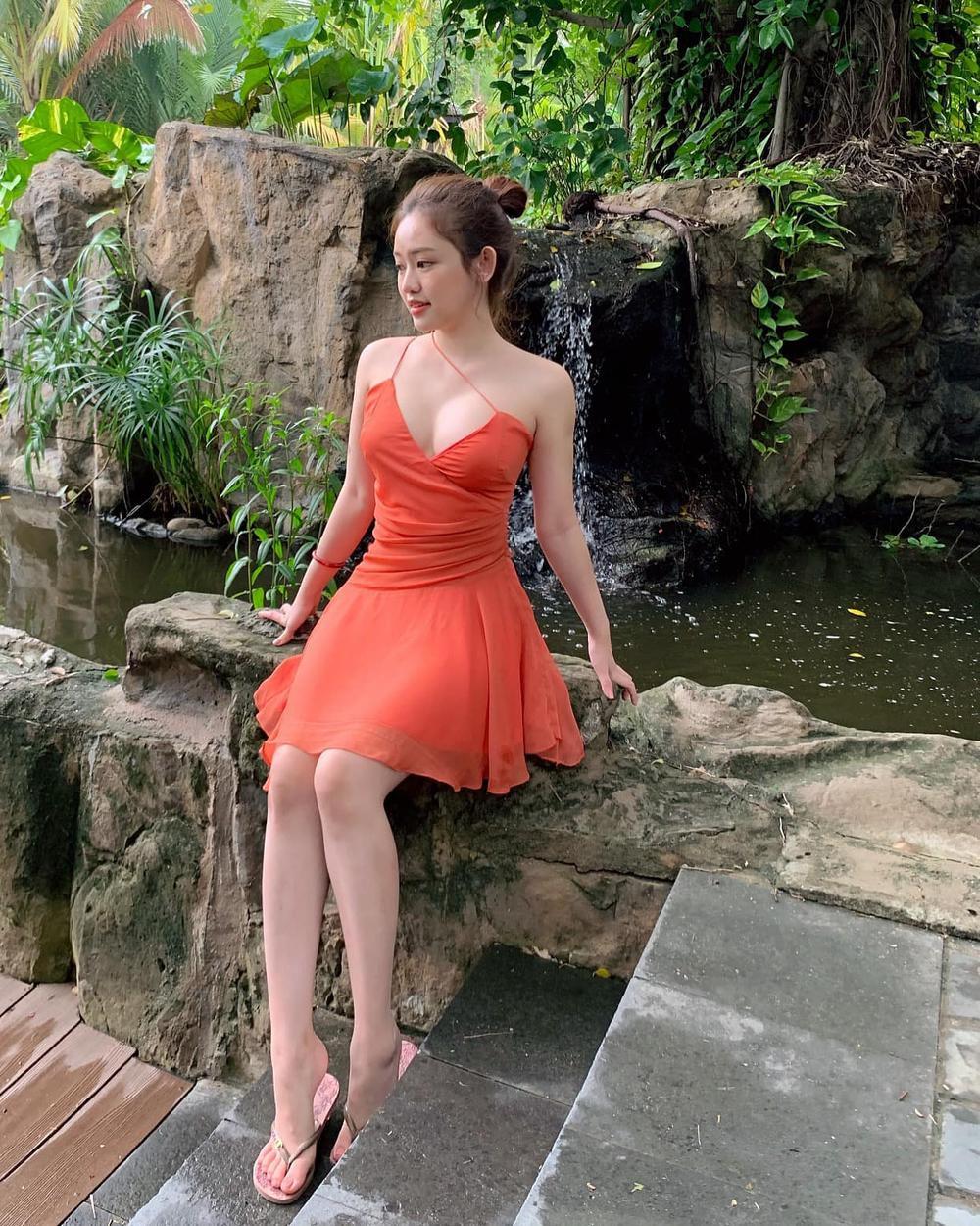 Hot girl Thúy Vi gây chú ý với vòng 1 bất ngờ 'phổng phao' sau hơn 1 năm tháo túi ngực Ảnh 5