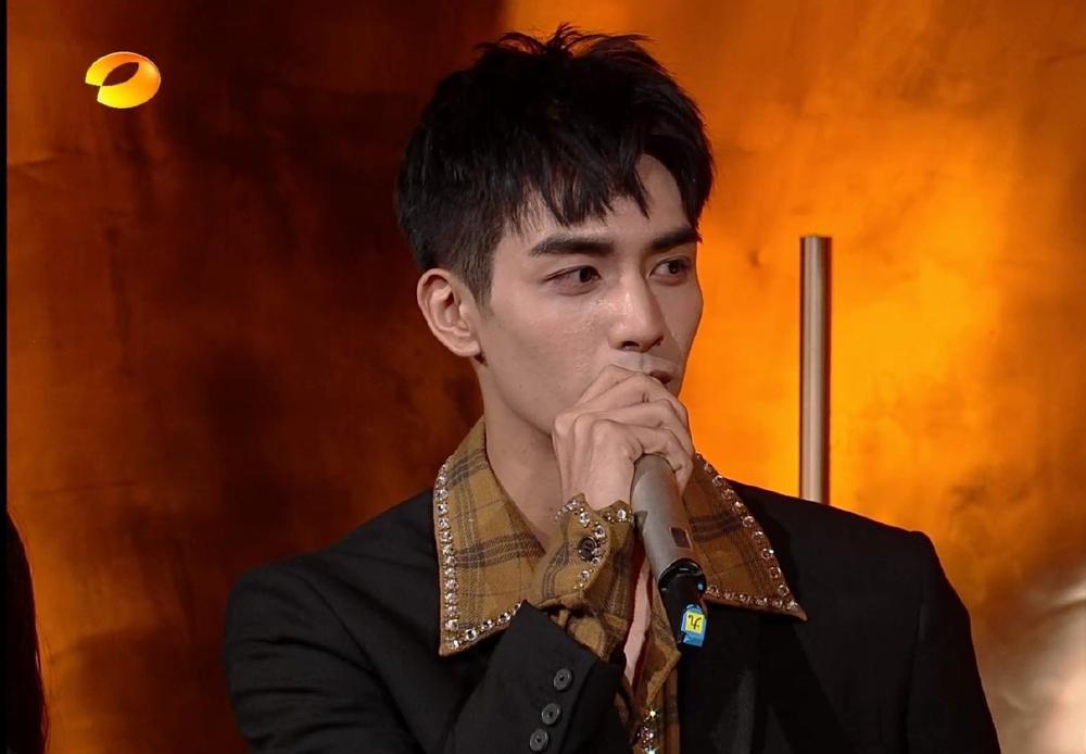 Tống Uy Long lên tiếng giải thích về làn da xấu, nổi đầy mụn của mình Ảnh 7