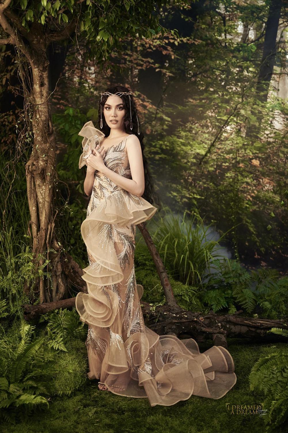 Lan Khuê hóa nữ thần rừng quyền uy, thần thái đỉnh cao đầy mị lực Ảnh 5